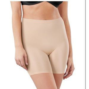 Maidenform Nude Seamless Shaping Thigh Slimmer